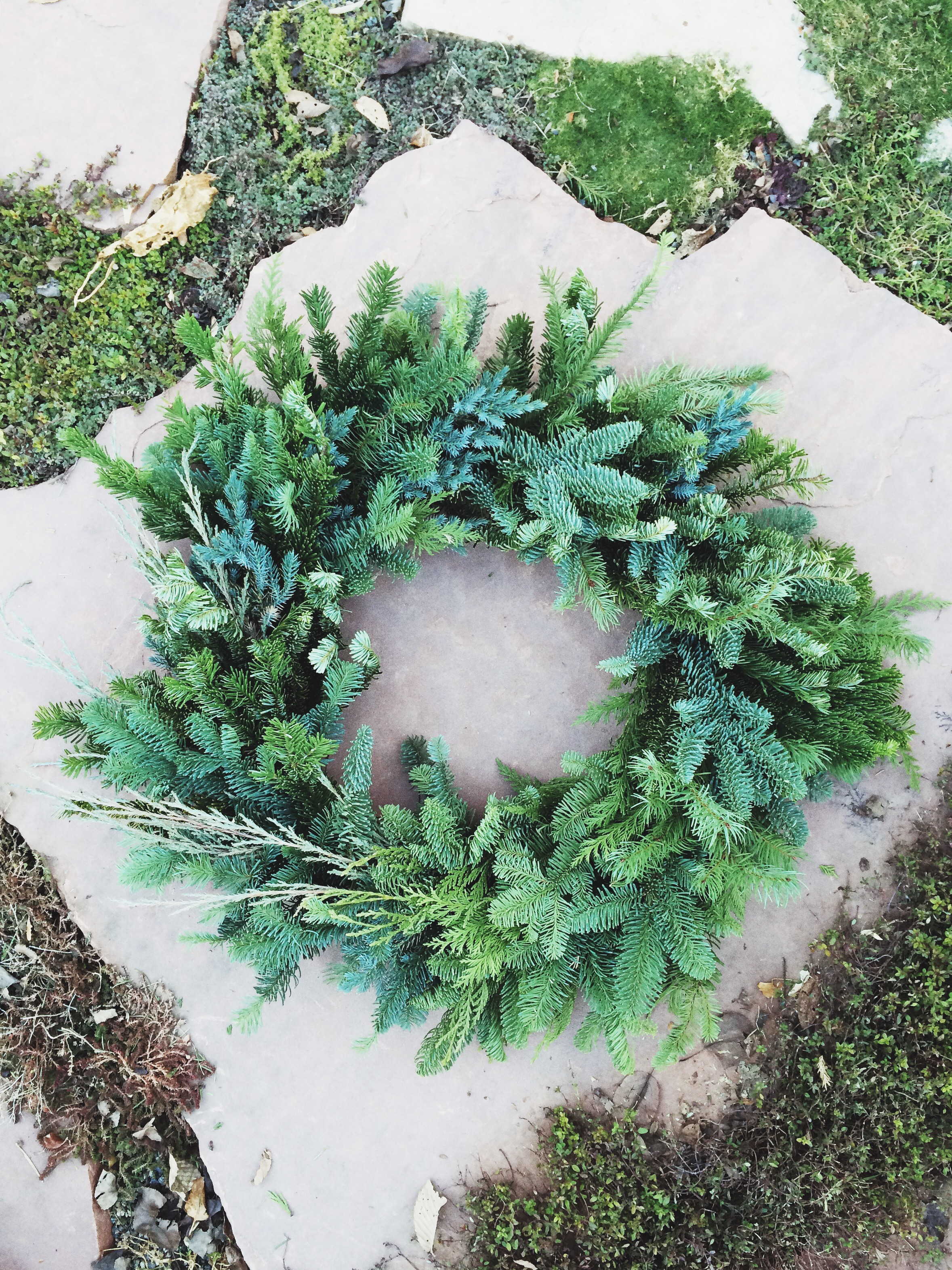 my finished DIY Christmas pine wreath